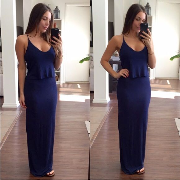 Navy Maxi This maxi it's perfect for a casual look. The top part it's loose which gives it a dressier look. This dress it's lined on the inside. Brand new Dresses Maxi