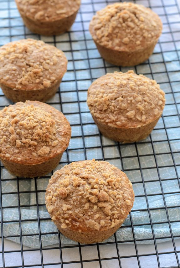 Healthy oatmeal muffins with maple syrup, cinnamon and nutmeg.