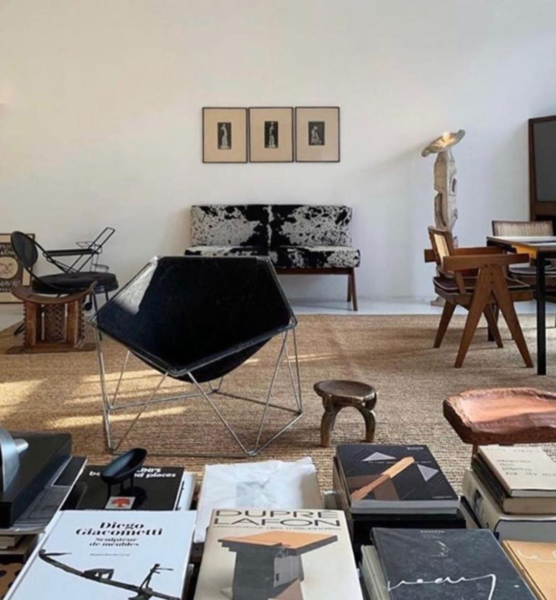 #heaven @michaelbargo #books #modernism #midcenturymodern #interiors #interiordesign #design #frenchmodernism #pierrejeanneret #homedecor #decor #lifestyle #instadaily #inspiration