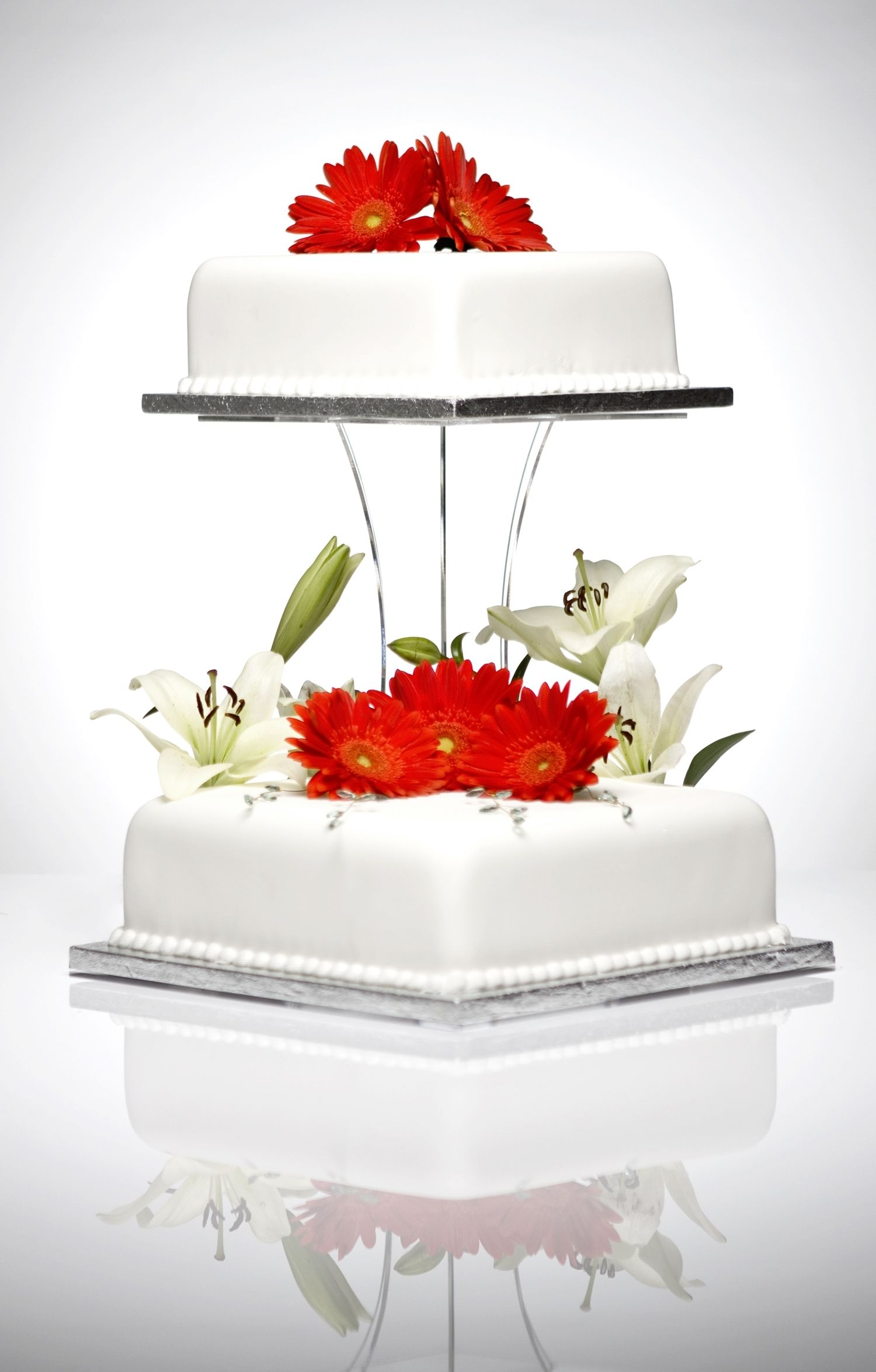 image of Juliette Clear Acrylic Square 2 Tier Cake Stand