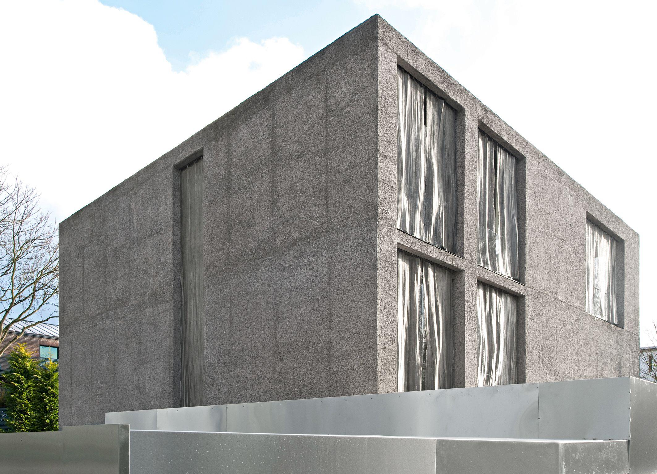 Villa Funken In Koln Fassade Aus Liapor Leichtbeton Mit Stahlblechvorhangen Von Artis Paas Architekten Architektur Architektur Innenarchitektur Architekt