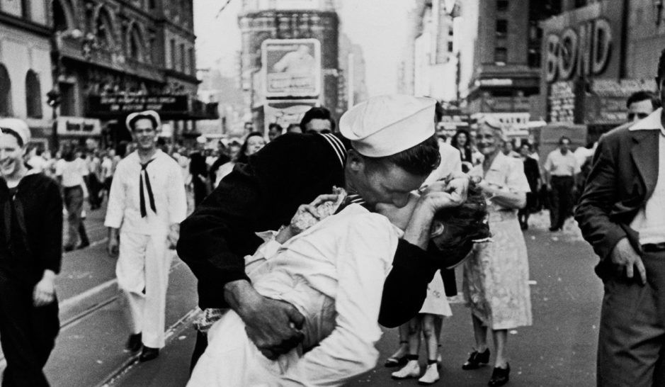 The Dark Controversy Behind The World War II Times Square Kissing Photo