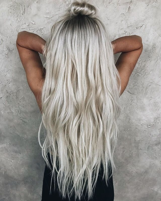 Love That Hair Color And The Waves Icy Blonde Gorgeous