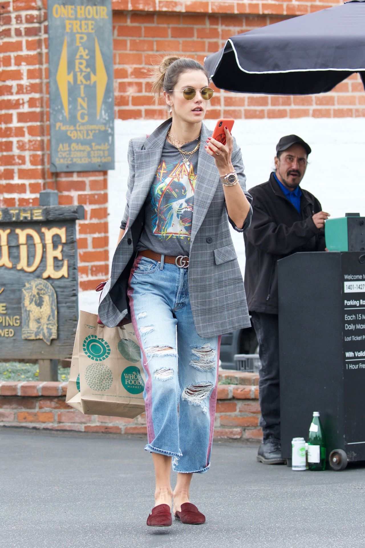 Alessandra ambrosio shopping at whole foods in los