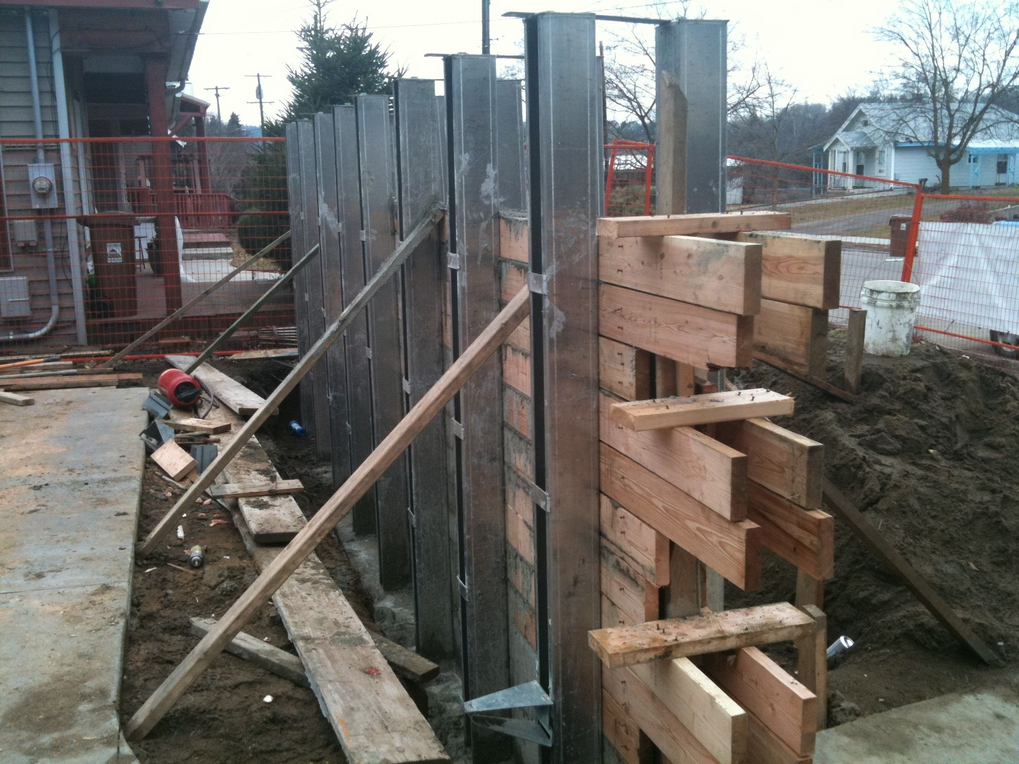 How To Form Board Form Concrete Concrete Retaining Walls Board