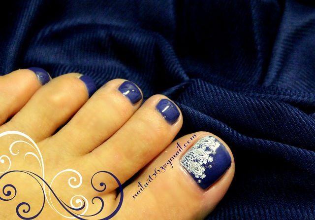 Pretty Pedicure Navy Blue Polish With White Stencil Design