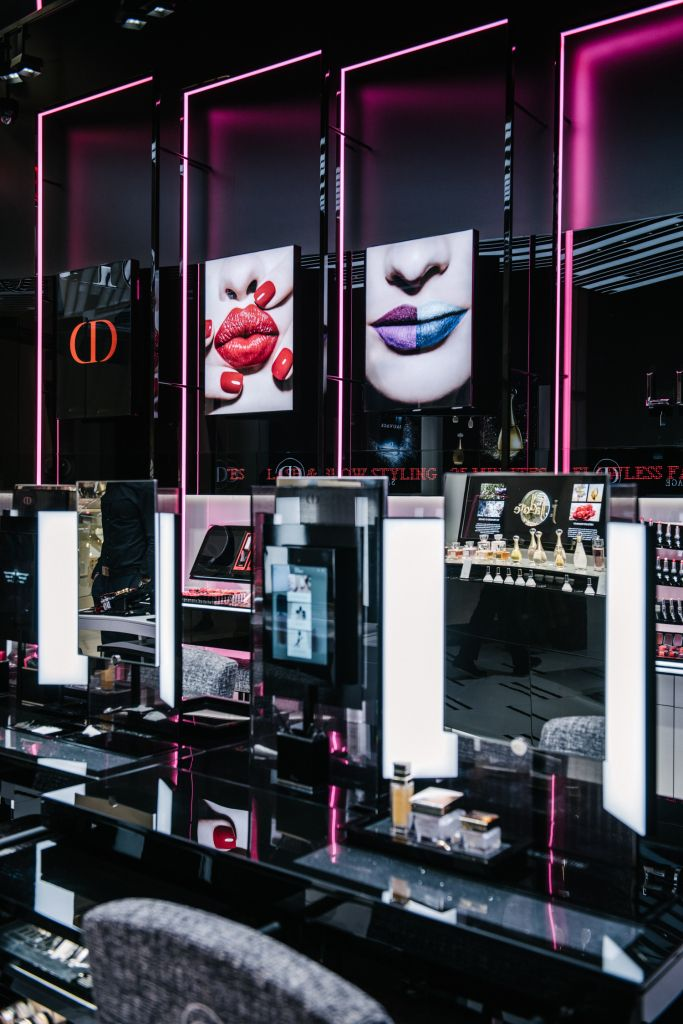 Inside Dior's First Makeup Boutique in New York 디스플레이