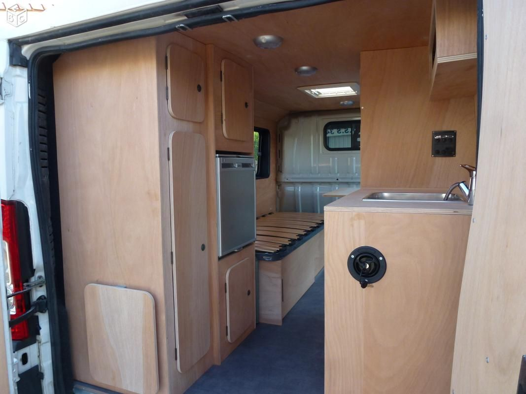 Am nagement fourgon camping car am nagement fourgon for Amenagement interieur camping car
