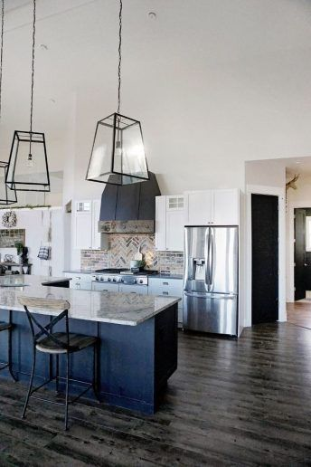 42 The Best Modern Farmhouse Kitchen Design To Blend Modern And Classic Theme - Home Design #farmhousekitchencolors