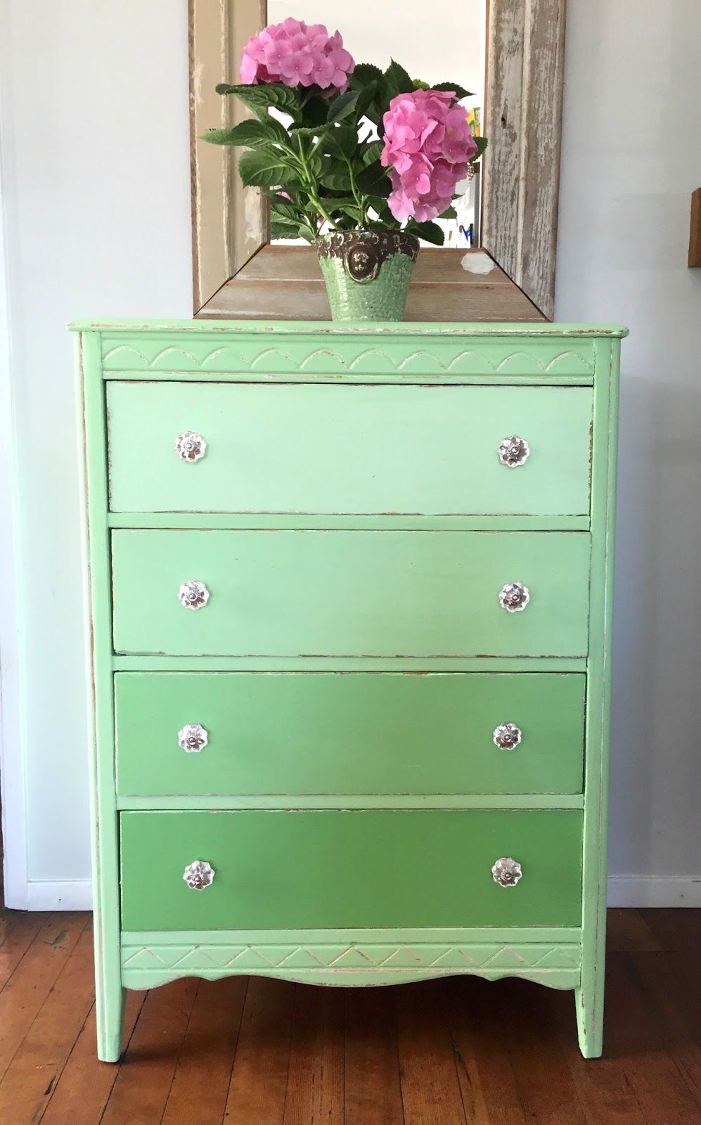 D S Cottage And Design How To Paint A Green Ombre Dresser