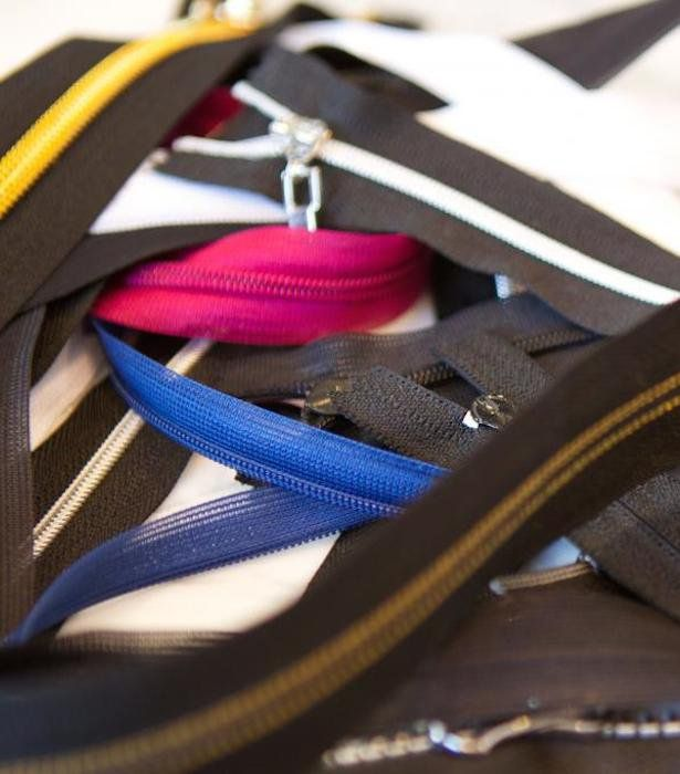 Top Tips For Sewing A Zipper from BurdaStyle #SewingTip #Zipper