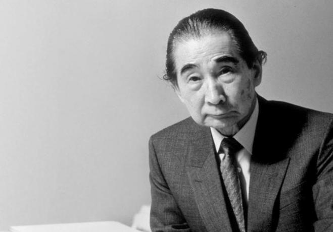 Es un referente Arquitecto Japones por varios meritos que hizo a su pais pero que en si influyo en todo el mundo, como es el caso de que el reconstruyo Hirochima tras la explocion de la bomba atomica, sin lugar a dudas es un gran ganador del Premio Pritzker en 1987.