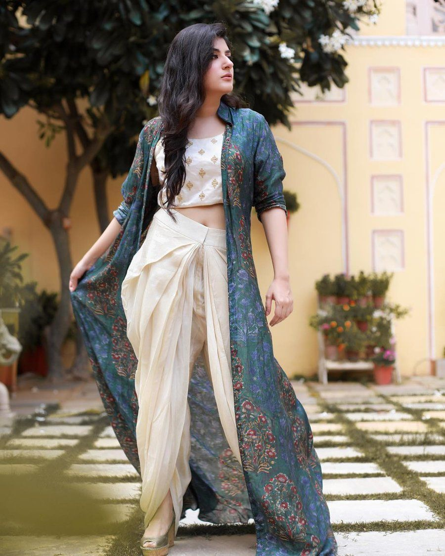 Indo-Western Outfits To Wear At Weddings Inspired By Fashion Bloggers | ShaadiSaga #westernoutfits