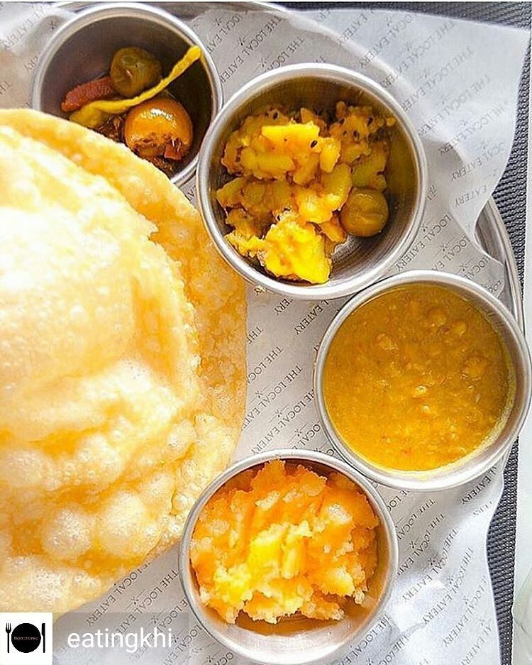 Via Eatingkhi Halwa Puri For Breakfast Can Make Sunday Mornings So Much Better This Deliciously Irresistible Platter Is From The Localeatery Fo