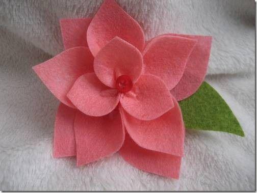 Manualidades Navidad Flor De Pascua En Fieltro Para Poner En Los Regalos Manualidades Manualidades Navidenas Flor De Pascua