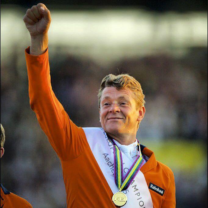 Wereldkampioen Jeroen Dubbeldam springt ook naar goud op het EK #Aachen2015 #ruitersinoranje