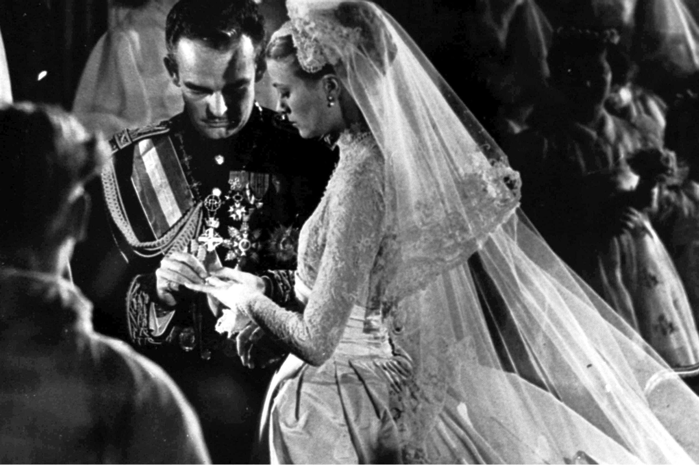 Exchange Of Wedding Rings Grace Kelly Wedding Grace Kelly Prince Rainier