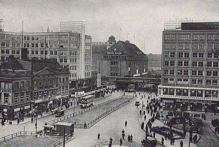 Alexanderplatz Wahrend Der Umgestaltung 1931 Berlin Berlin Photos Berlin Germany