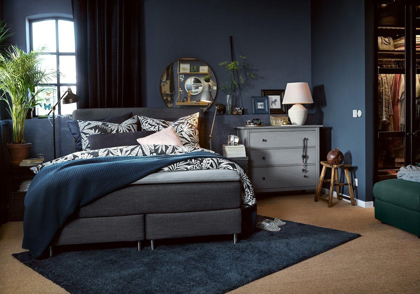 Schlafzimmer für besondere Momente gestalten in 11  Dunkles