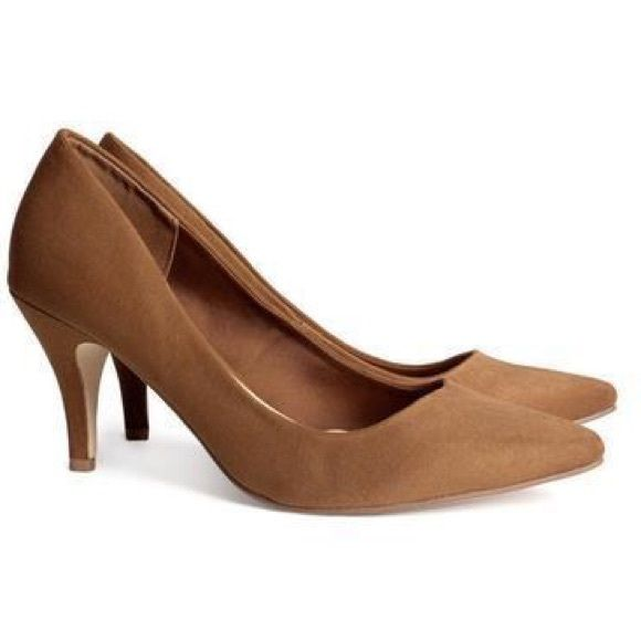 NWOT H&M tan Suede pumps Size EU 37 U.S. 6 suede camel pumps NWOT low heel 2-3 inch H&M Shoes Heels