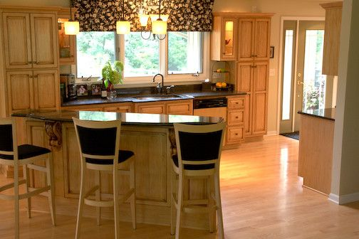 Kitchen raised ranch design pictures remodel decor and for Raised ranch kitchen designs