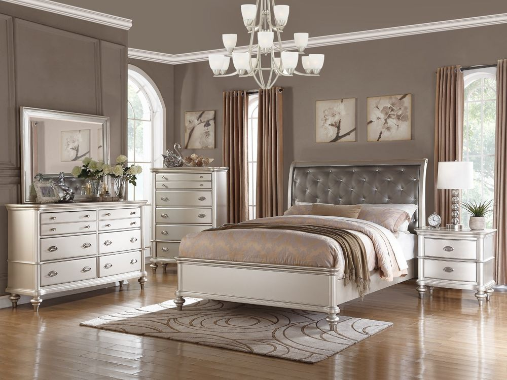 4PC TRANSITIONAL METALLIC SILVER FINISH TUFTED WOOD QUEEN