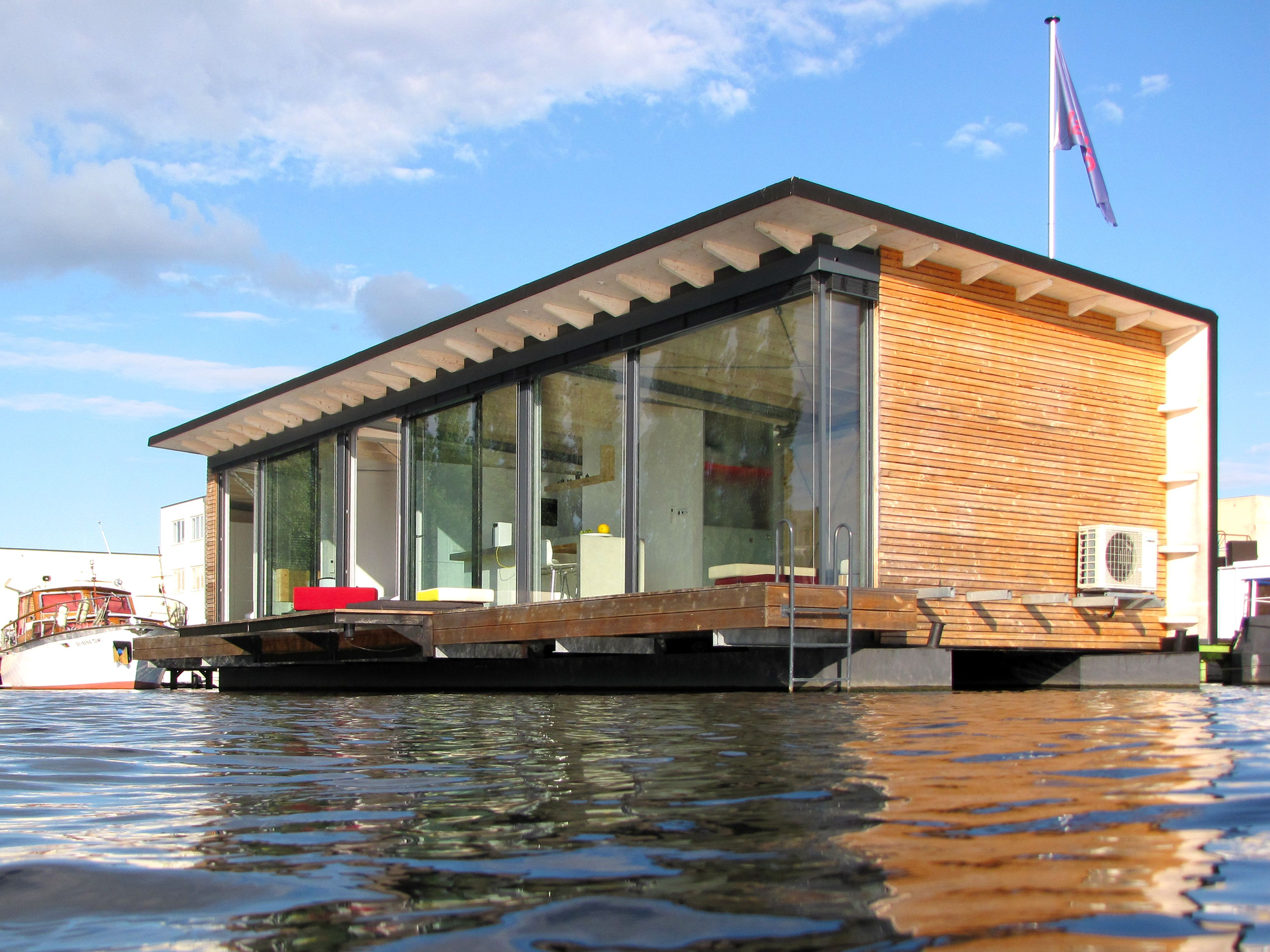 Modern Boathouse Via Remain Simple Floating House House In