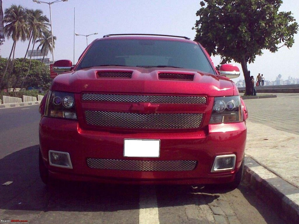 Custom red chevy avalanche i will have good scoops like this one day