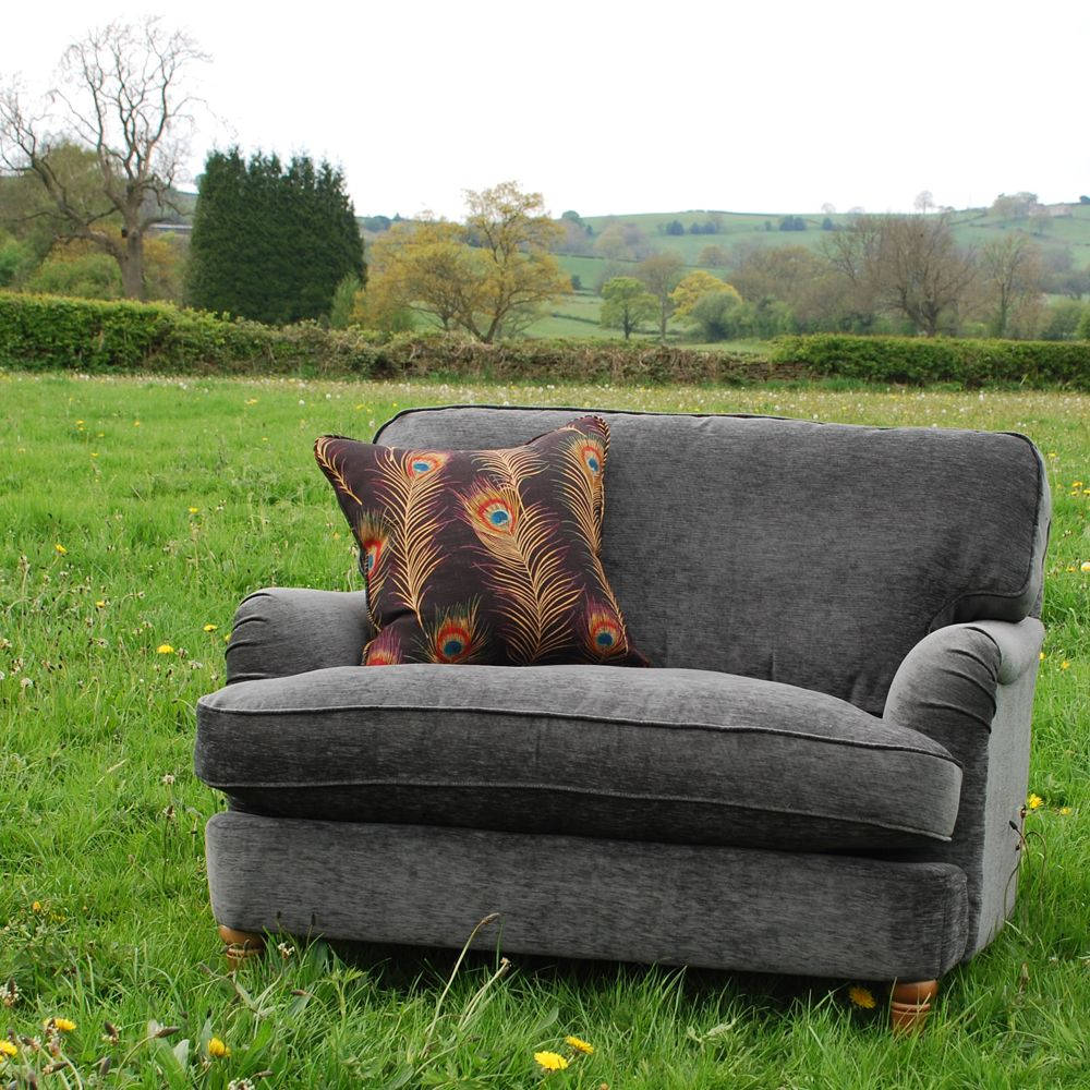 Luxurious Comfy And Stylish Love Seat