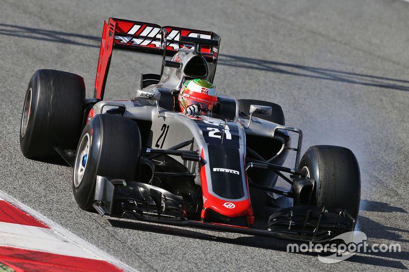 Esteban Gutierrez Haas F1 Team Vf 16 At Barcelona February Testing Formula 1 Photos Haas F1 Team Car Race Cars