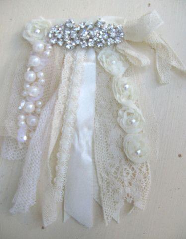 Ribbons & Pearls brooch