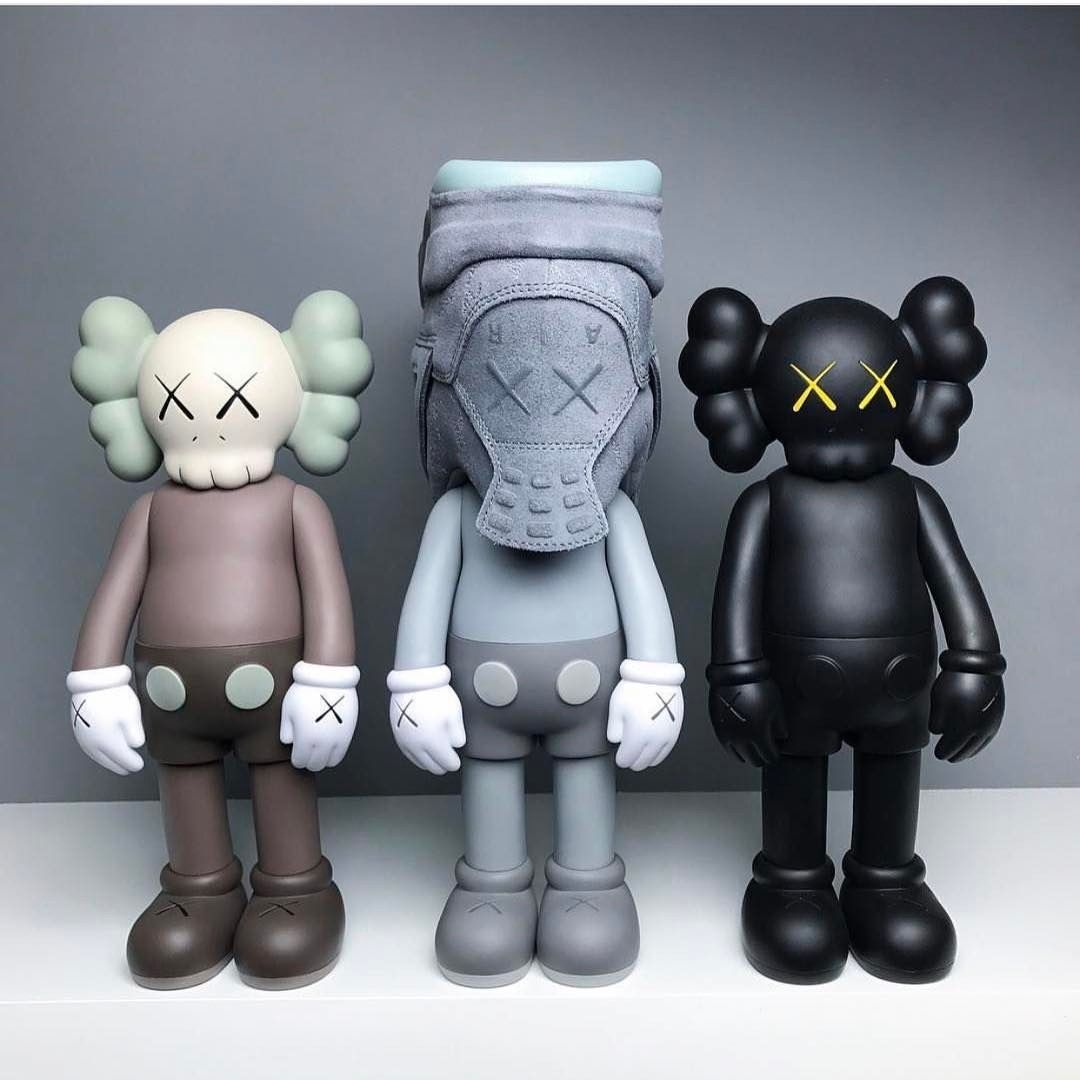 096dd7fc1 Bearbricks Kaws There's a distinctive style in KAWS which really stands out  amongst other artists I've come across. Although the differences between  each ...