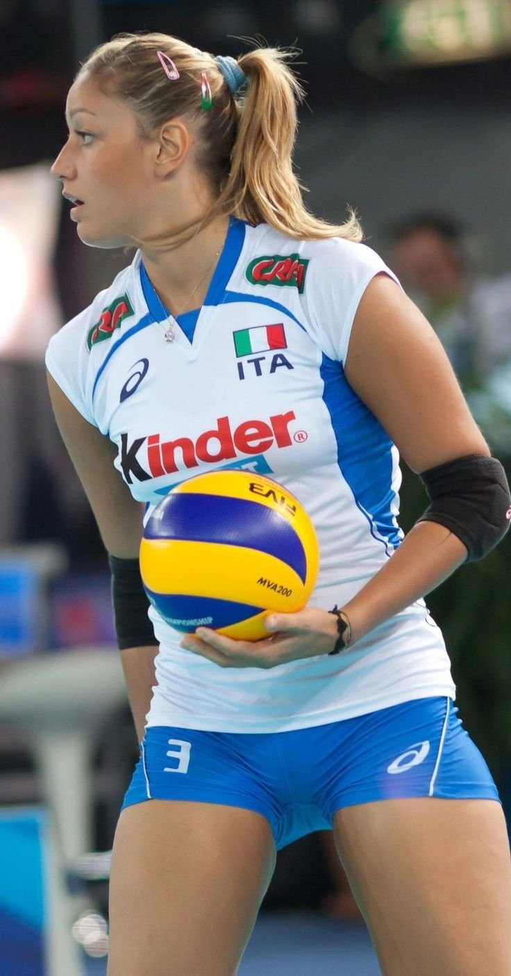 22 Times Volleyball Players Showed Us More Than Just A
