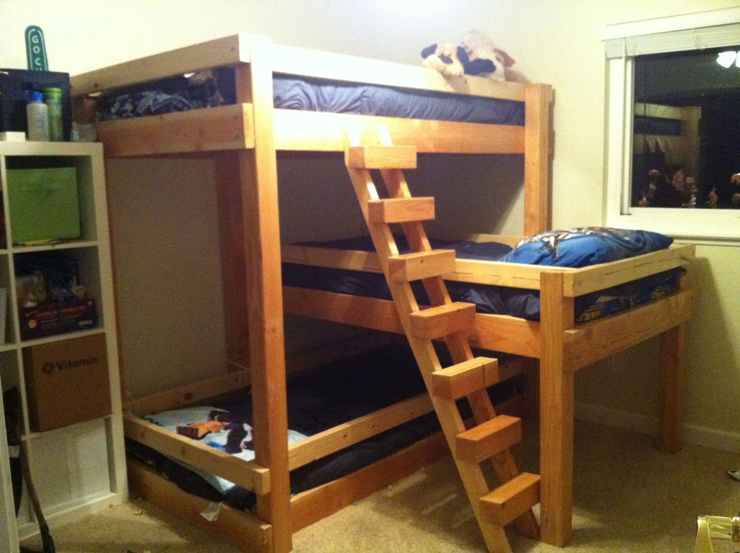 triple bunk bed right facing 1 diagonal stair