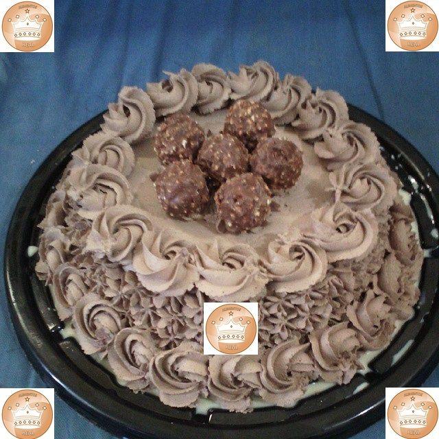 Pastel De 3 Leches Cubierta De Chantilly De Chocolate