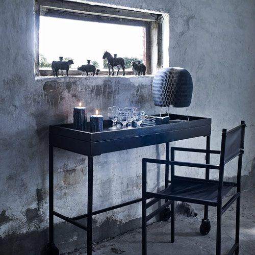 console en m tal noir fer propos e par nordal qui avec. Black Bedroom Furniture Sets. Home Design Ideas