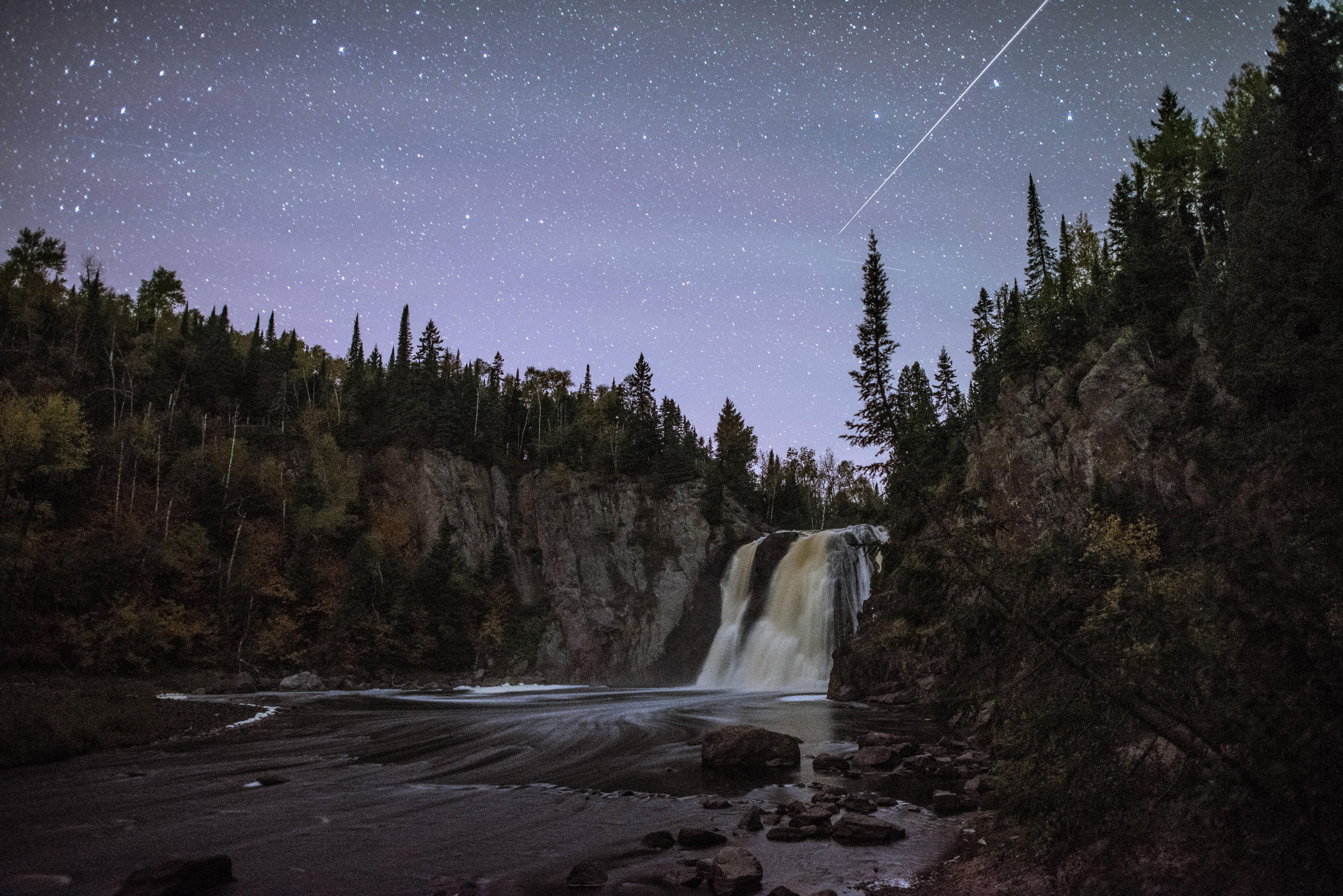 Largest Meteor I Ve Seen Irl At High Falls Mn Oc 6016 4016 High Falls Nature Photos Beautiful Nature