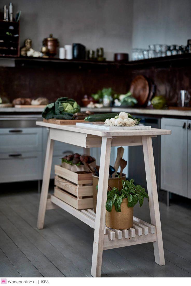 Deze herfst ben je bij IKEA aan het juiste adres voor een heleboel nieuwe producten. Breng warmte en sfeer in huis met handgeweven tapijten, geef je lampen een verrassende make-over of stel je eigen stoel samen. Zoals je van het woonwarenhuis gewend bent, zijn alle nieuwe items functioneel, duurzaam, stijlvol én betaalbaar.