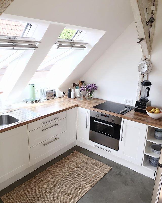 Dachschr gen hinter arbeitsfl chen ausnutzen einrichten for Dachgeschosswohnung dekorieren