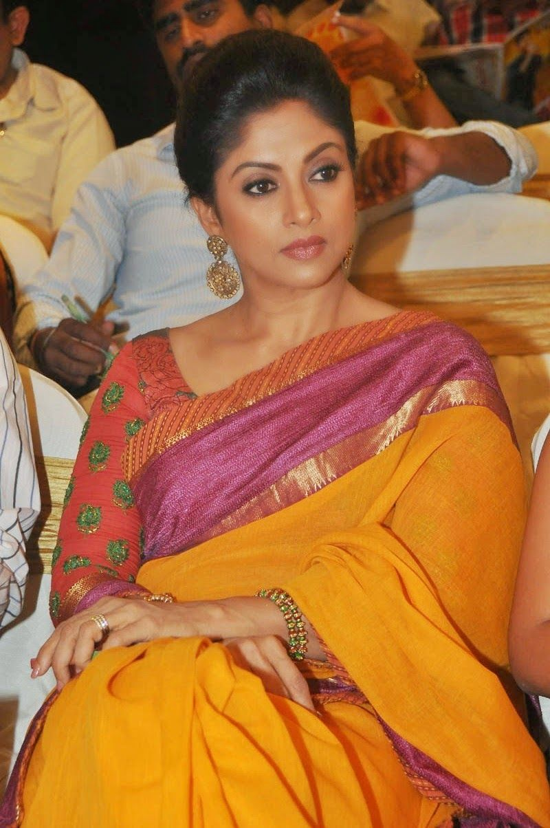 55be8302198609 Nadhiya Latest Spicy Stills In Colorful Yellow Saree | Indian celebs ...