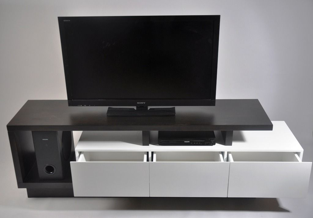 Mueble de tv moderno muebles living modulares mla f for Muebles de living modernos en cordoba