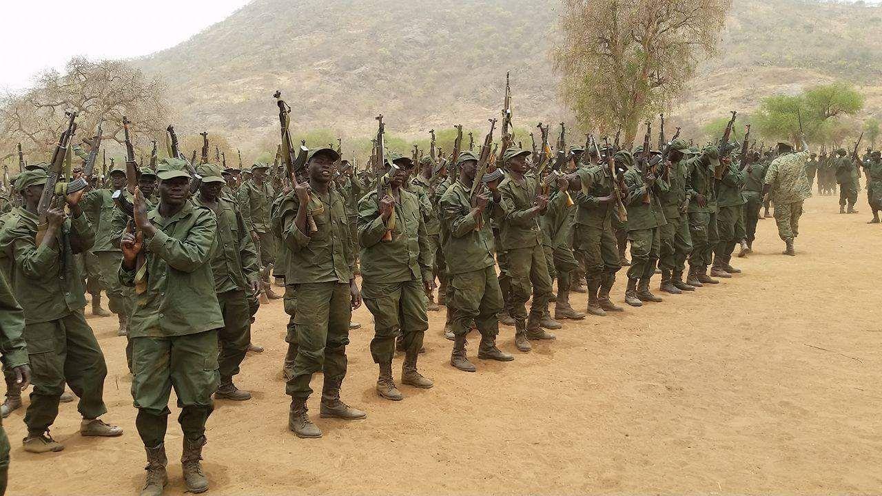 رئيس هيئة الأركان يشهد تخريج دفعة جديدة من المستجدين ويؤكد تمسك الحركة الشعبية برؤية السودان الجديد