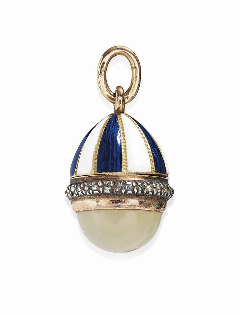 a_jewelled_two-colour_gold-mounted_bowenite_and_enamel_vinaigrette_egg_d5630325g.jpg 780×1.024 piksel