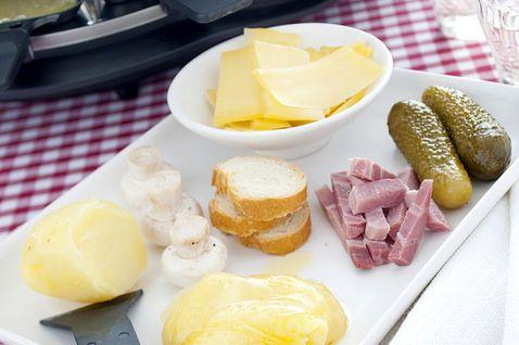 Raclette con cetrioli e Praga