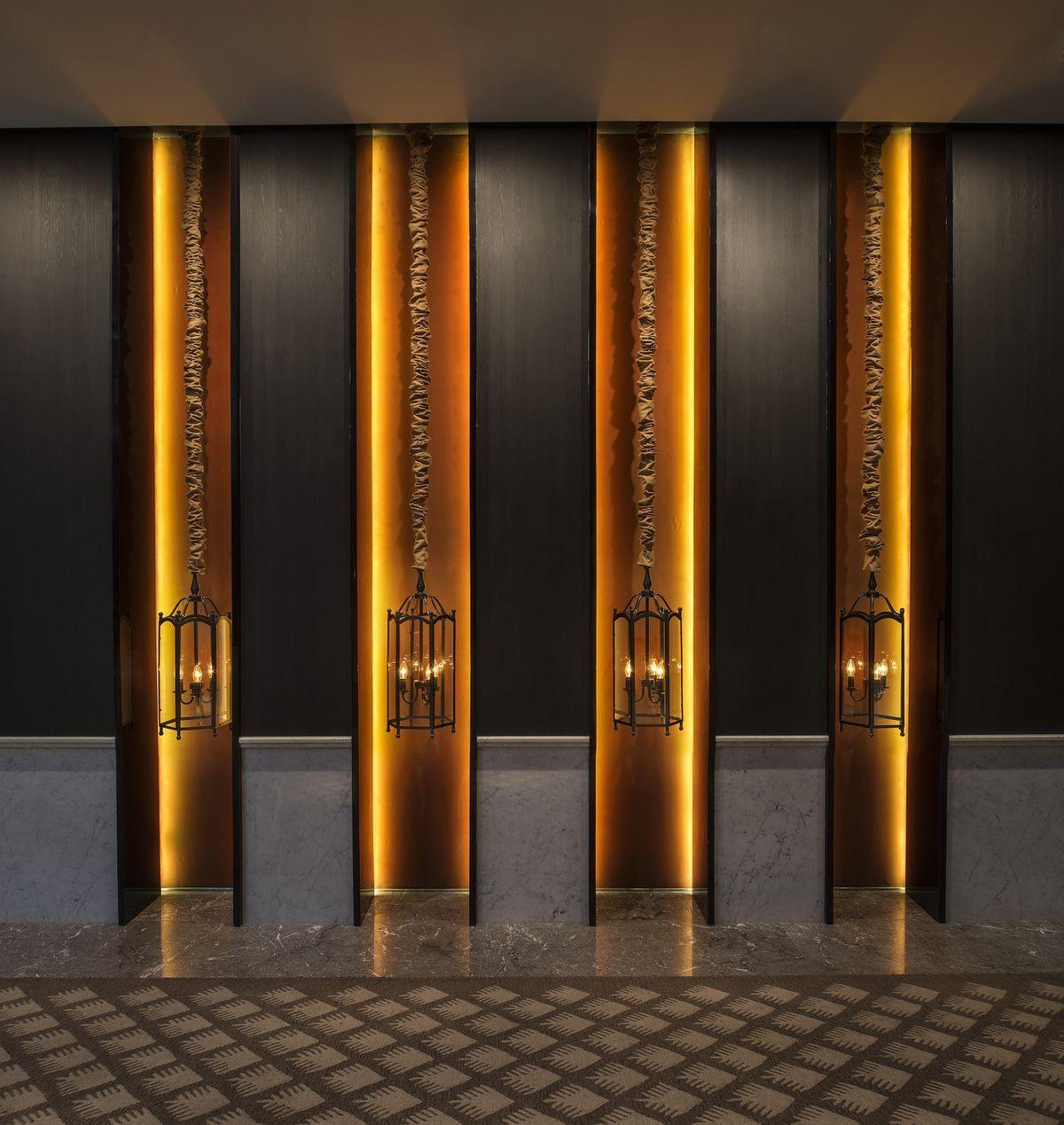 Image result for luxury hotel hallways lamparas for Iluminacion para palmeras