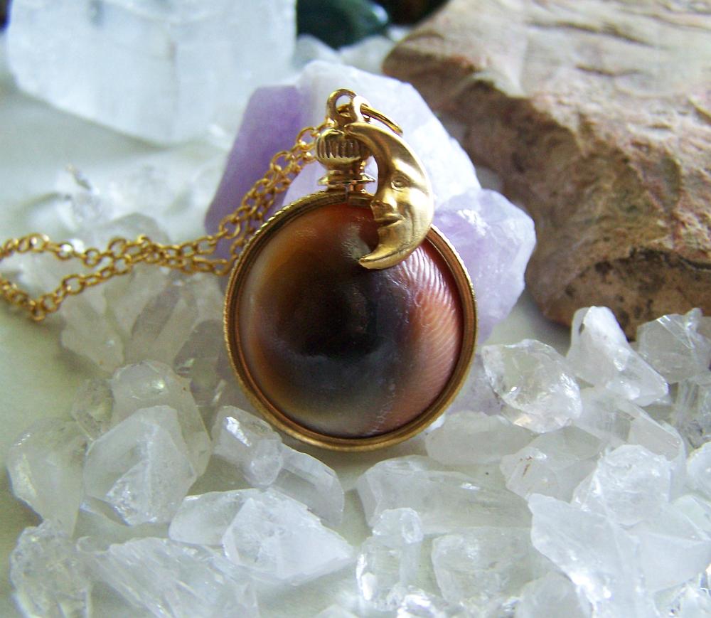 Evil Eye Natural Operculum Seashell Pendant Necklace