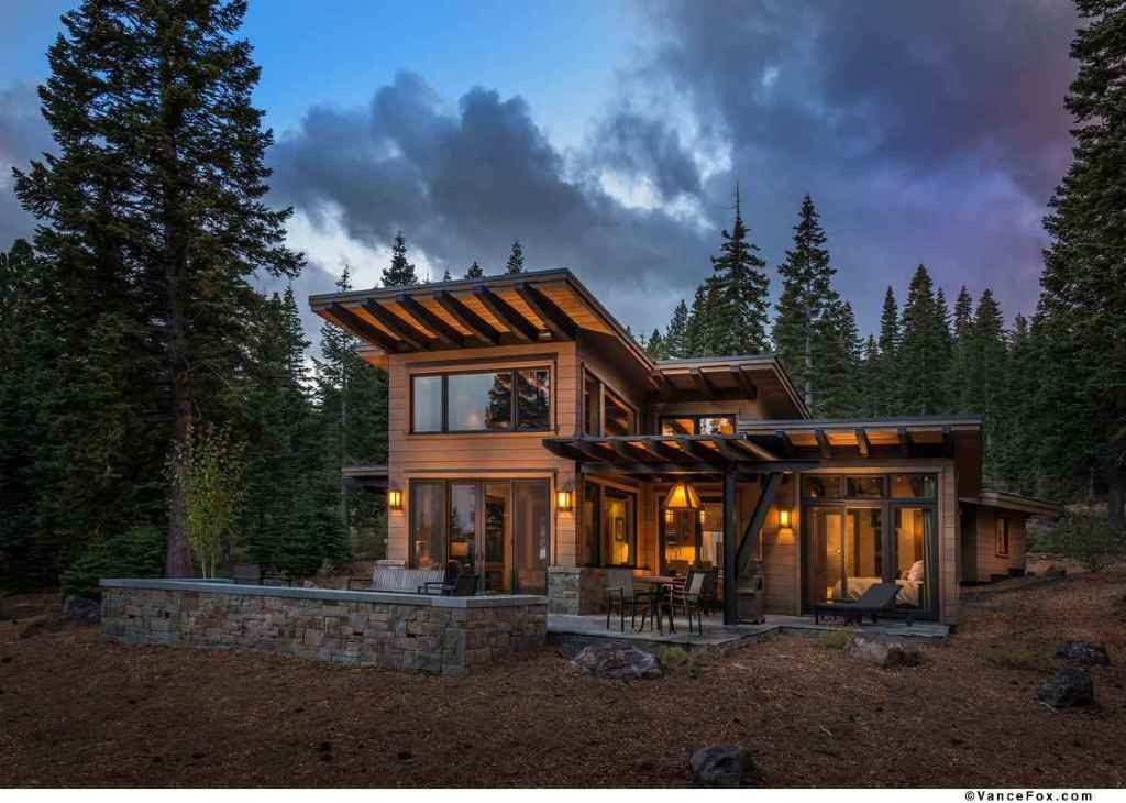 Modern Mountain Retreat Is Ideal Place To Unwind Modern Mountain Home Modern House Design Modern Cabin
