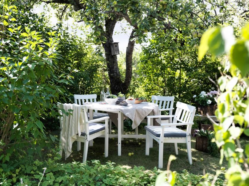 ngs table and armchairs outdoor white stained white white stained ikea with table terrasse ikea. Black Bedroom Furniture Sets. Home Design Ideas