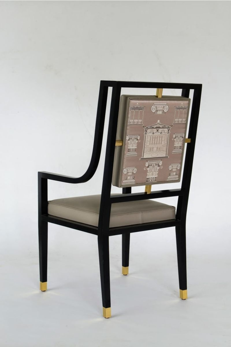 Merveilleux The Via Gesù Print On A Luxurious Chair From The New Versace Home  Collection.