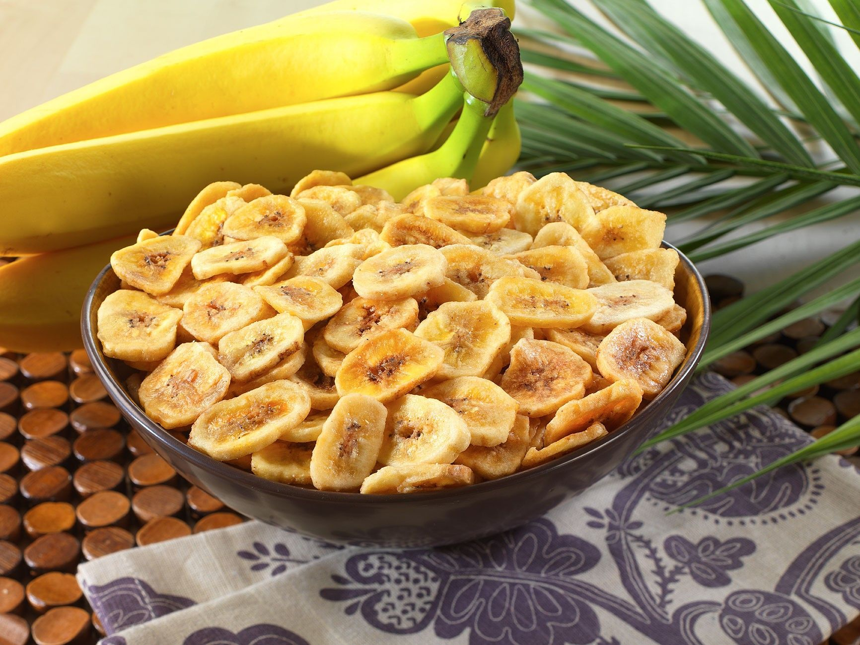 People are saying that snacks are bad, but in fact, they aren't bad – it is what we choose to eat that can make snacks unhealthy. One way to make the snack choices healthier is to prepare your snacks for the week so they will be ready to go when you are.  The Power of Bananas Bananas are one
